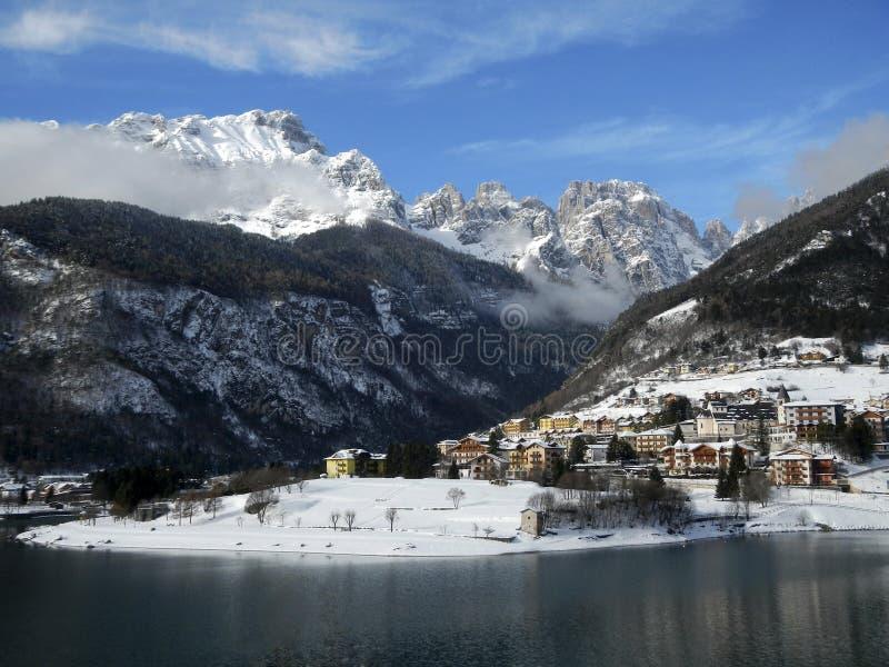 Lago Molveno, Trento, Itália fotografia de stock