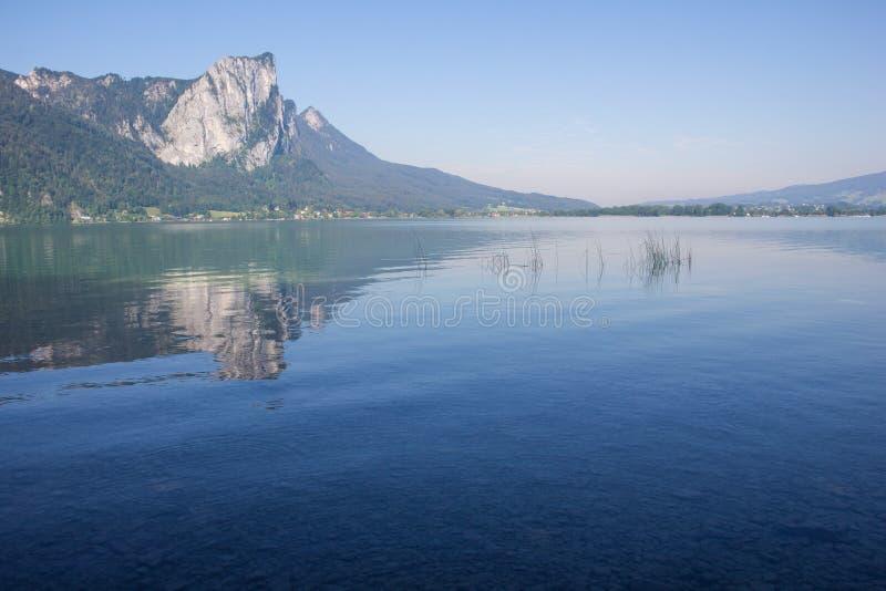 Lago Mondsee Dragonwall fotografia stock