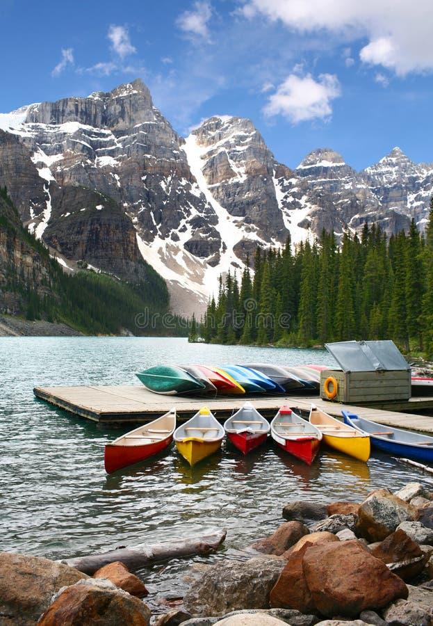 Lago moraine, parque nacional de Banff, Canadá fotografia de stock
