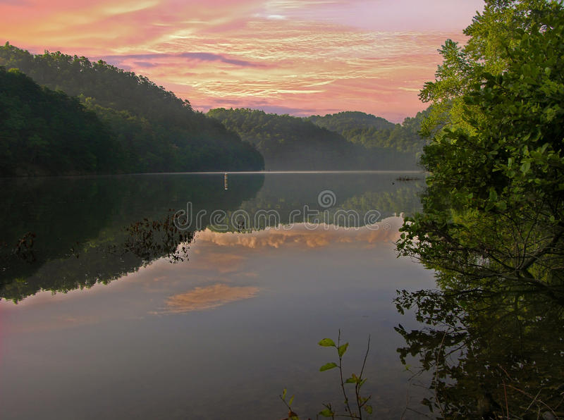 Lago mountain fotografia de stock royalty free