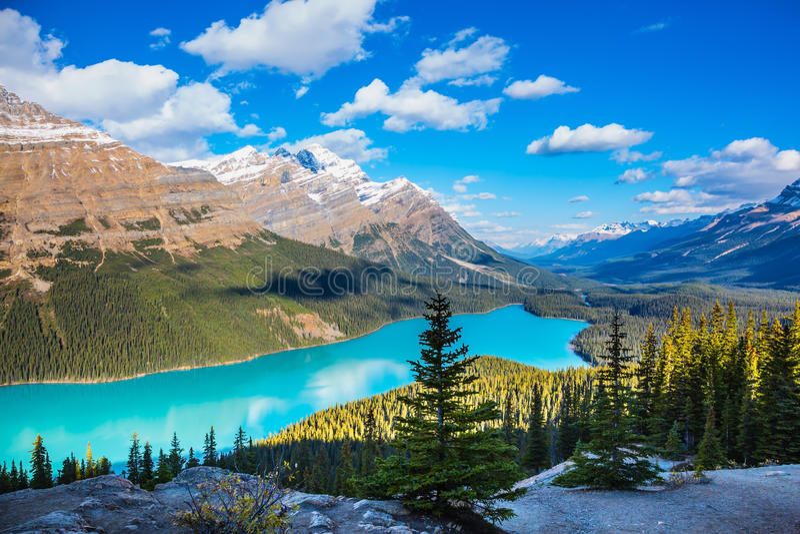 Lago mountain como cabeza del zorro fotos de archivo