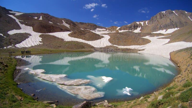 Lago mountain del glaciar de Hesarchal foto de archivo