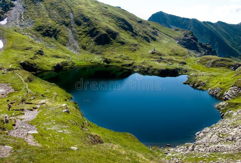 Lago mountain en Cárpatos imágenes de archivo libres de regalías