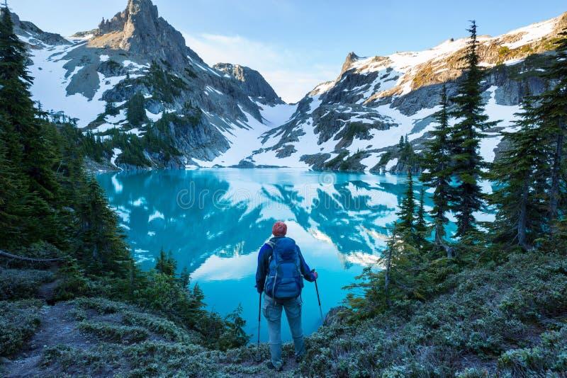 Lago mountains fotografie stock