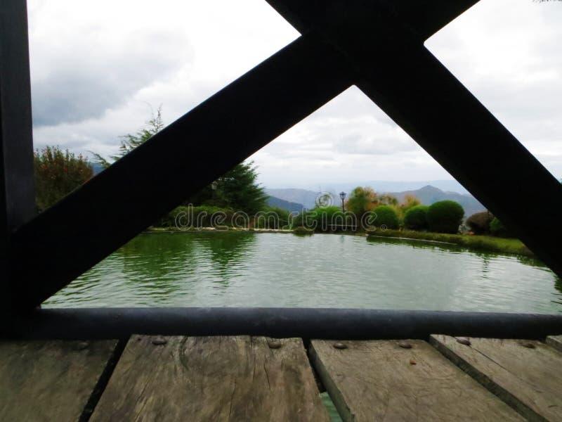 Lago na montanha fotografia de stock royalty free
