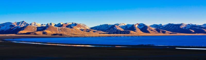 Lago Nam nel crepuscolo fotografia stock libera da diritti