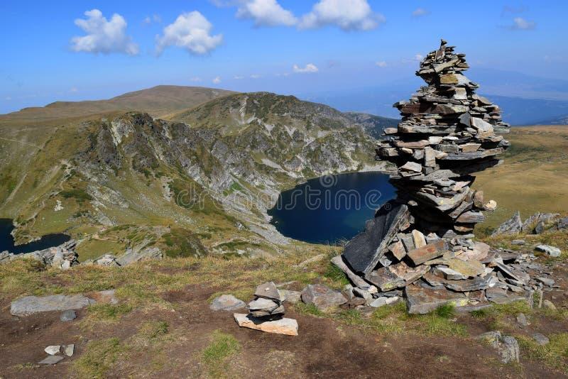 Lago nella montagna fotografia stock