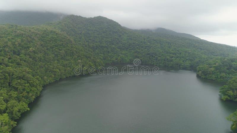 Lago nelle montagne, Bulusan Filippine, Luzon immagine stock libera da diritti
