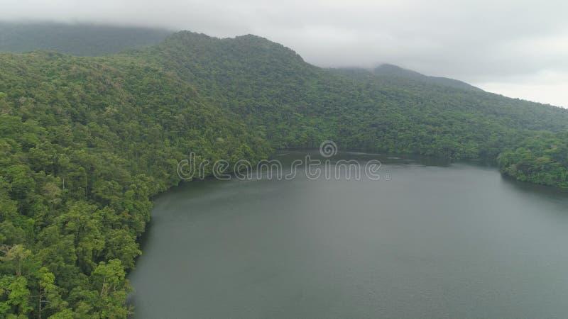 Lago nelle montagne, Bulusan Filippine, Luzon fotografie stock