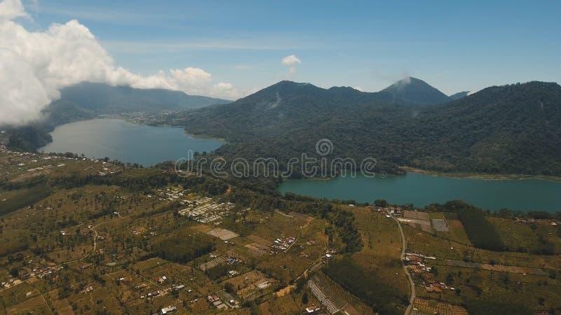 Lago nelle montagne, isola Bali, Indonesia immagini stock