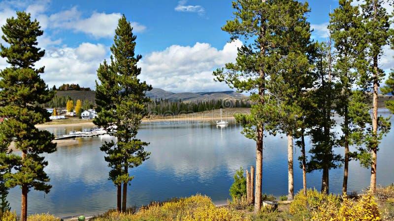 Lago no outono, Colorado Granby fotografia de stock royalty free