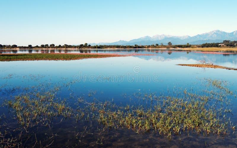 Lago no país de Serena da costela fotos de stock royalty free
