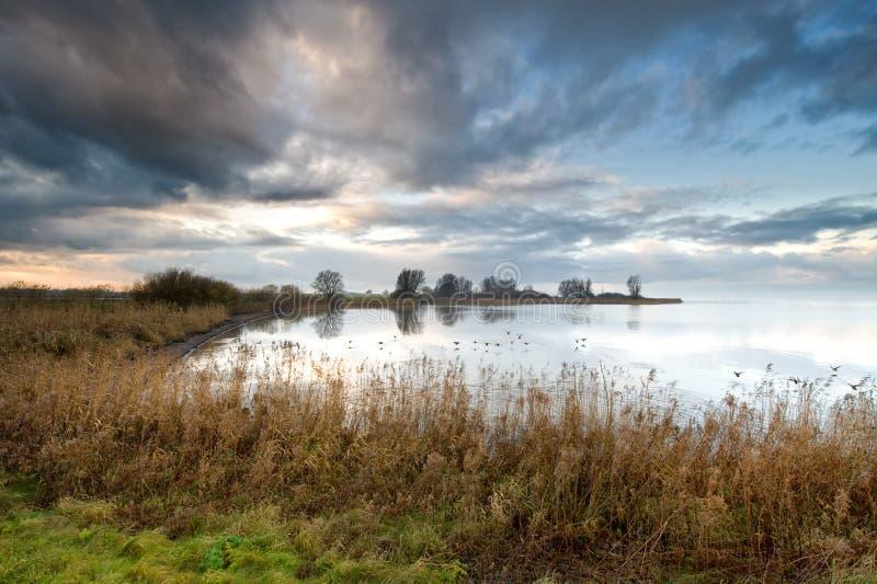 Lago nos Países Baixos imagens de stock royalty free