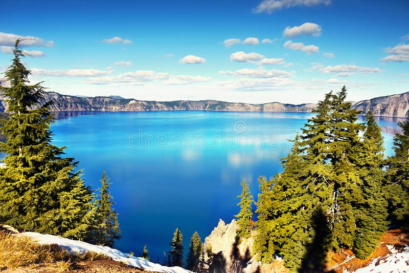 Lago o mais profundo bonito america, lago Oregon crater, atração turística fotografia de stock royalty free