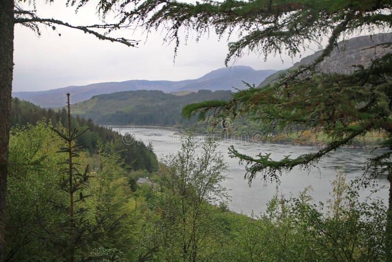 Lago oleocalcáreo, Sutherland, Escocia fotografía de archivo libre de regalías