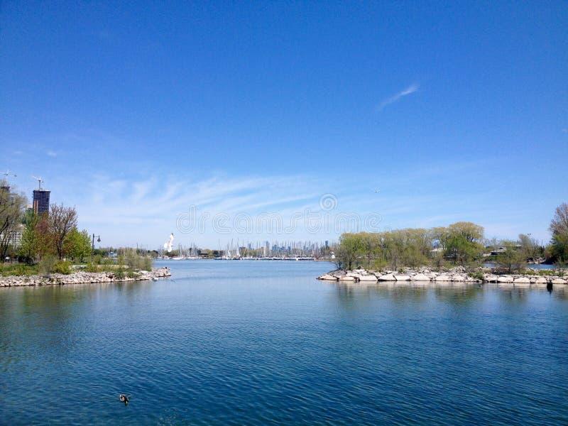 Lago ontario in primavera immagine stock libera da diritti