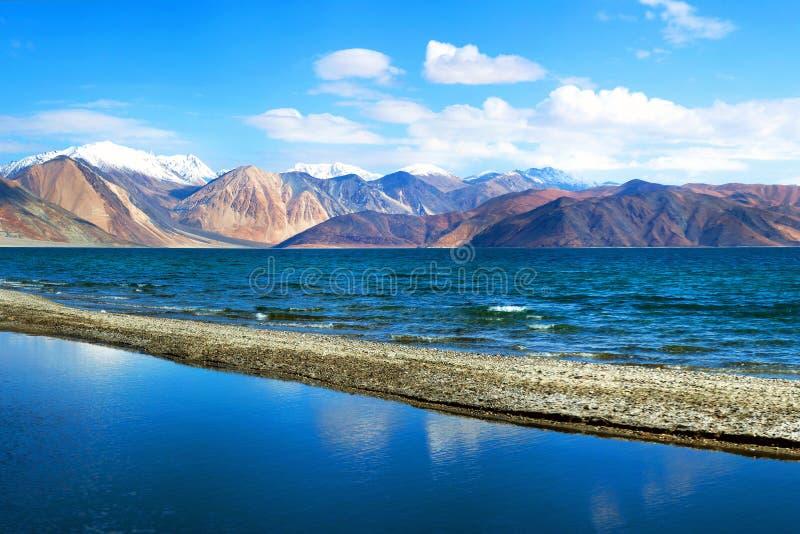 Lago Pangong en Ladakh, estado de Jammu y Cachemira, la India fotos de archivo libres de regalías