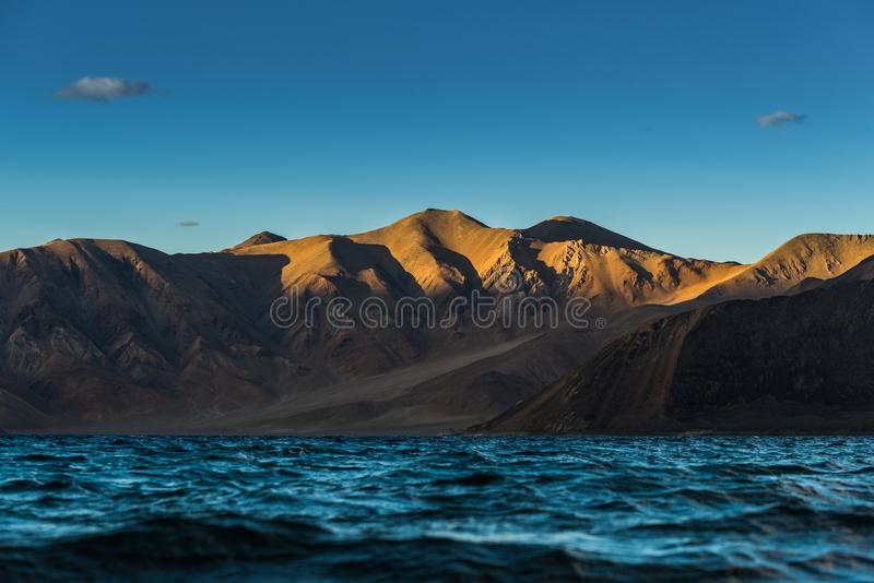 Lago Pangong en Leh Lardakh, la India fotografía de archivo