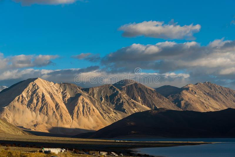 Lago Pangong en Leh Lardakh, la India foto de archivo