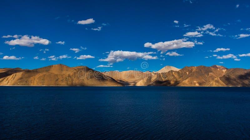 Lago Pangong, ladakh la India del leh foto de archivo