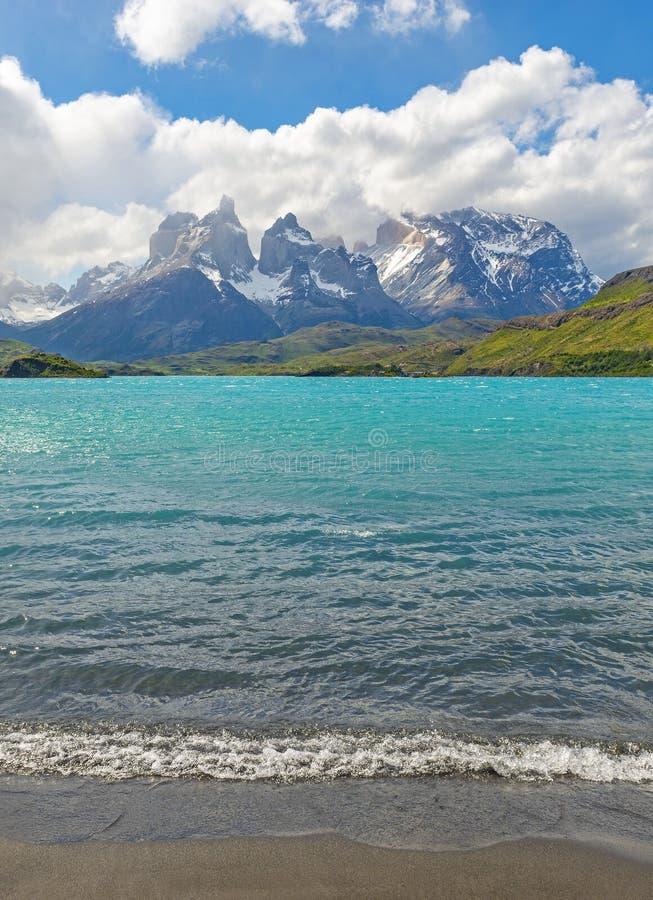 Lago Pehoe en la Patagonia, Chile imagenes de archivo