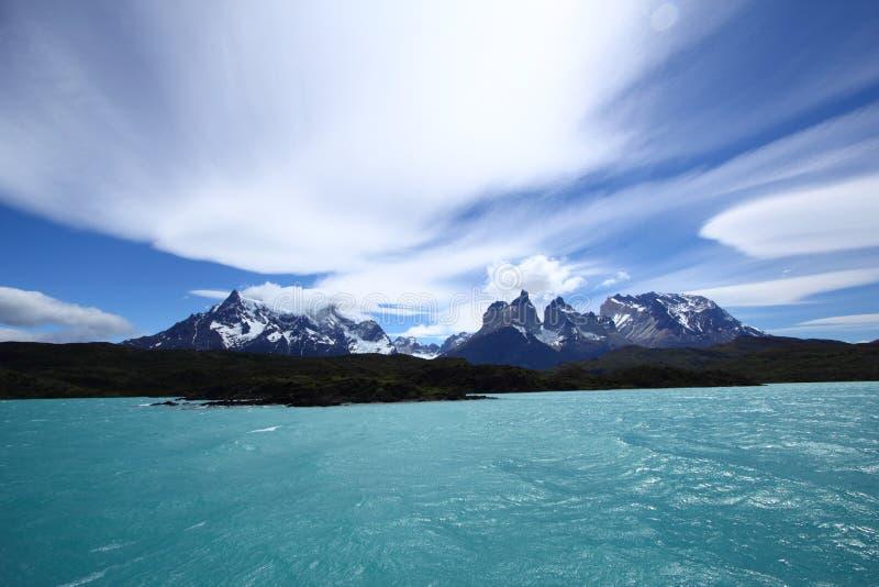 Lago Pehoe en Torres del Paine photographie stock libre de droits