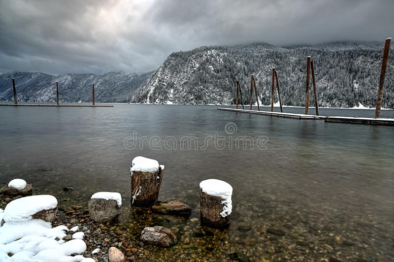 Lago Pend Oreille nell'inverno fotografia stock libera da diritti