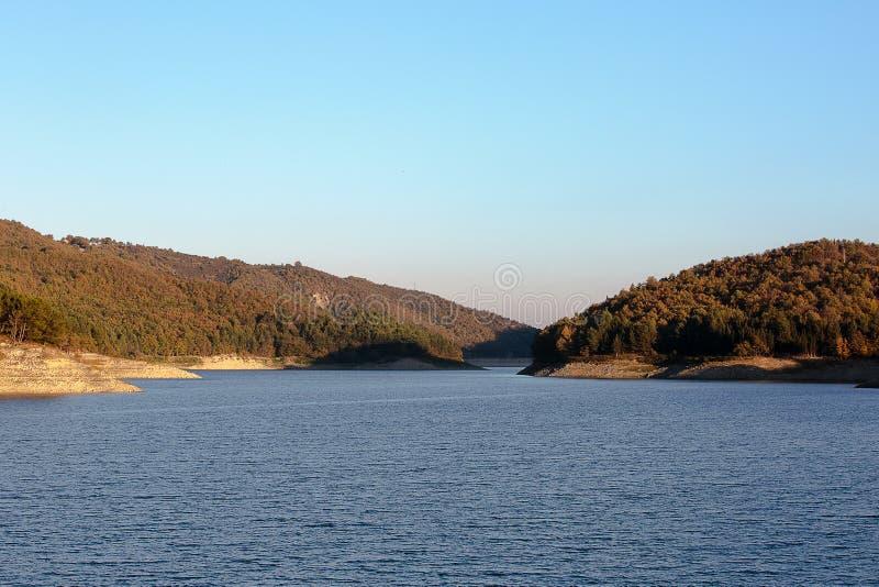 Lago Pertusillo immagini stock
