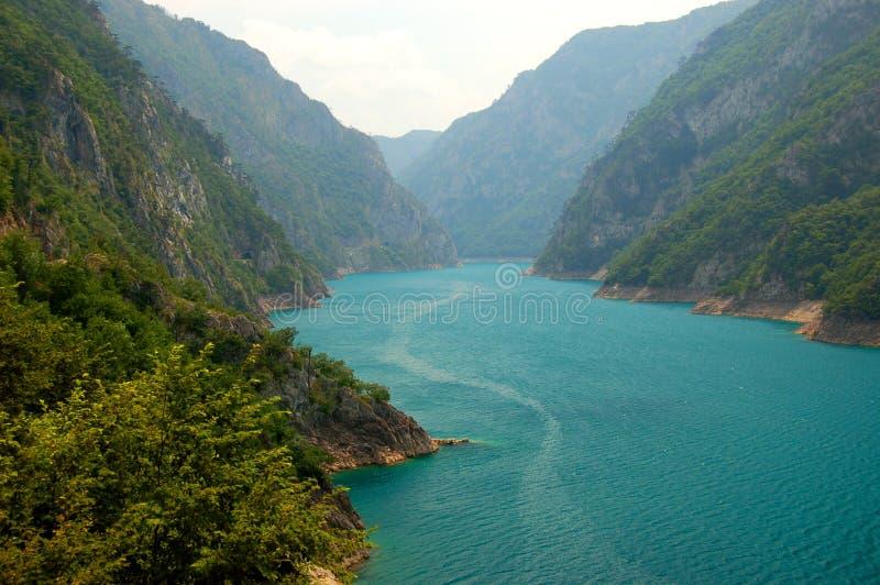 Lago Pivsko, Montenegro foto de stock