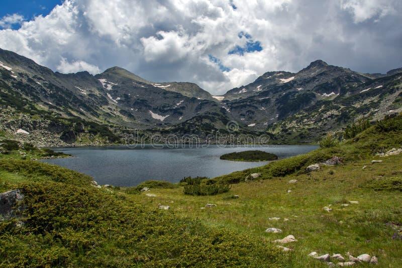 Lago Popovo, montaña de Pirin imágenes de archivo libres de regalías