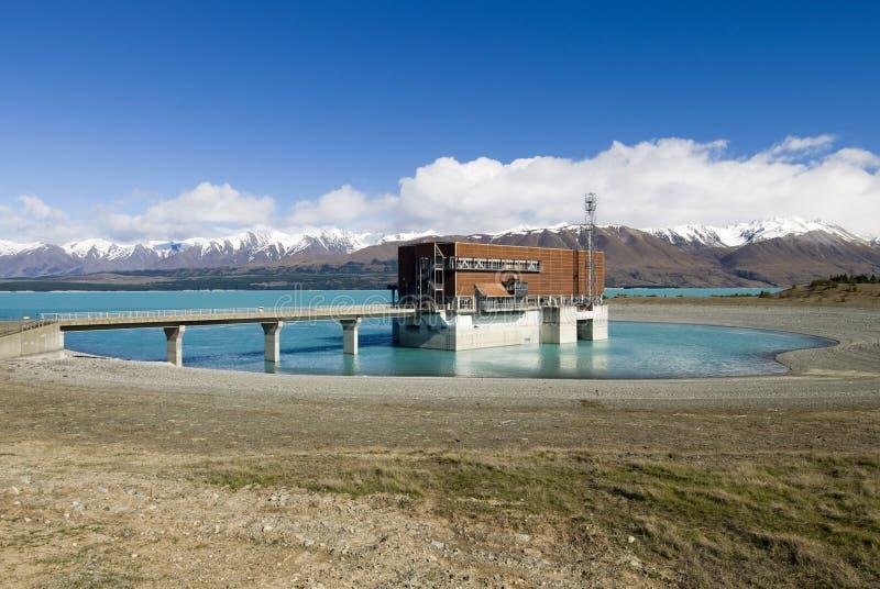Lago Pukaki, hidro central elétrica, Nova Zelândia fotografia de stock
