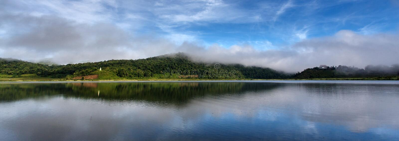 Lago Rhi, Myanmar (Birmania) foto de archivo