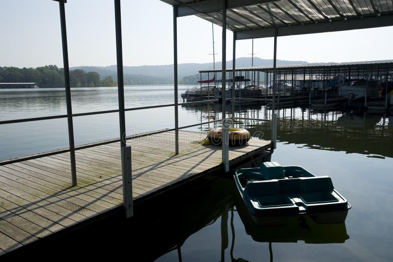 Lago rock della Tabella fotografia stock libera da diritti