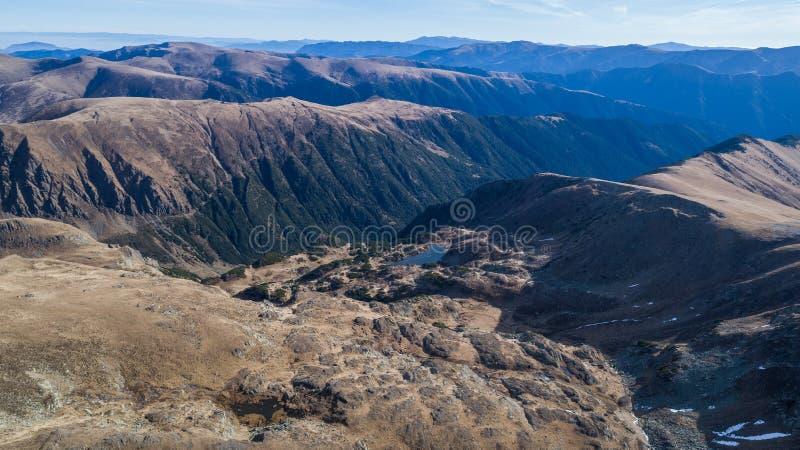 Lago Rosu em montanhas de Fagaras fotografia de stock