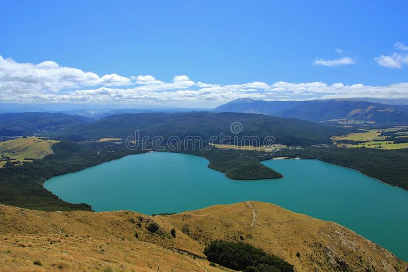 Lago Rotoiti, visión turquoise desde Mt Roberto fotografía de archivo