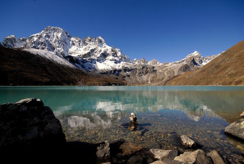 Lago sagrado Gokyo imagens de stock