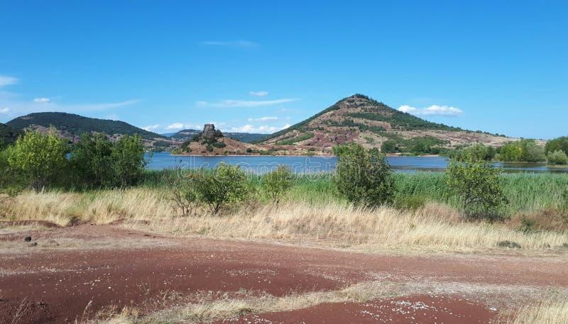 Lago Salagou imagen de archivo libre de regalías
