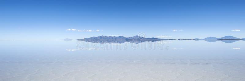 Lago salt Salar de Uyuni en Bolivia imagenes de archivo
