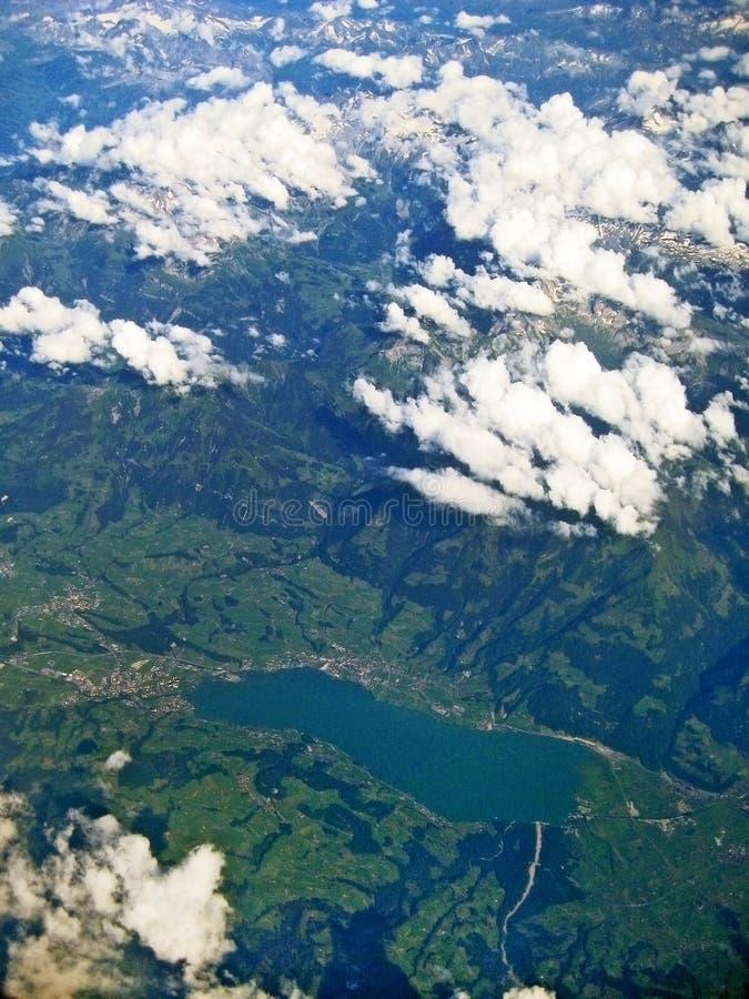 Lago Sarnersee, Suíça - vista aérea imagens de stock