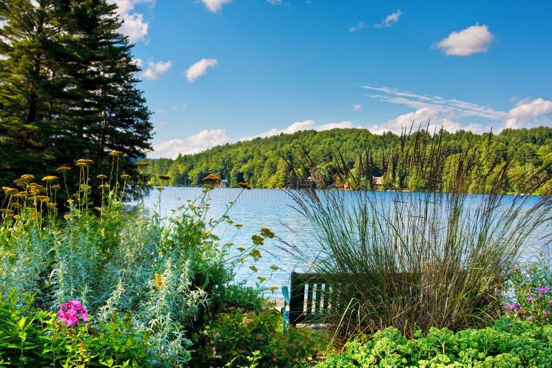 Lago scenico immagine stock