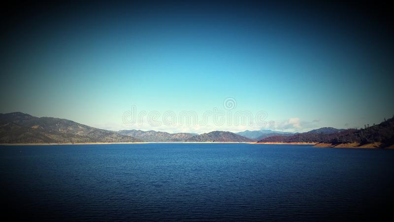 Lago Shasta foto de archivo