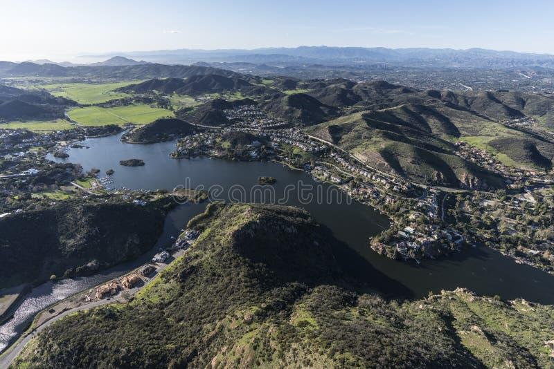 Lago Sherwood y valle ocultado California imagen de archivo libre de regalías