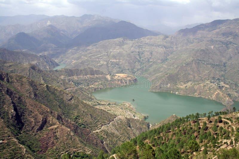 lago sintético longo de 46 quilômetros Tehri imagem de stock