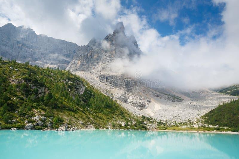Lago Sorapis, Italia fotografie stock libere da diritti