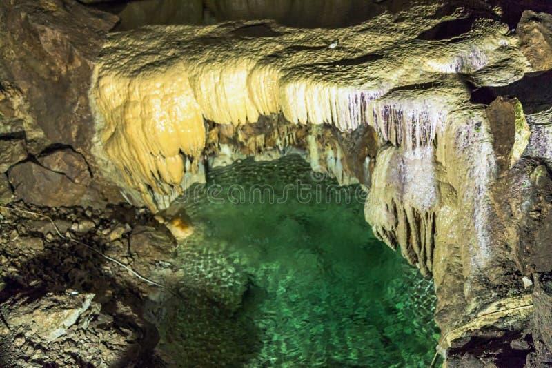 Lago sotterraneo nella nuova caverna di Afon La Repubblica di Abkhazia immagine stock libera da diritti