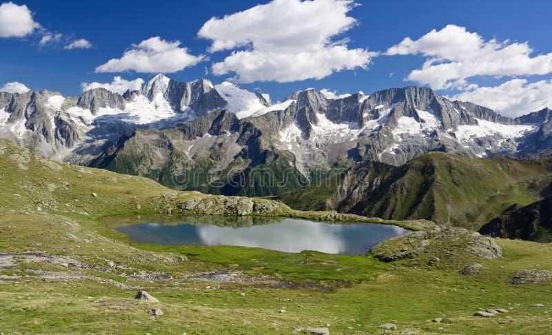 Lago Strino fotografía de archivo