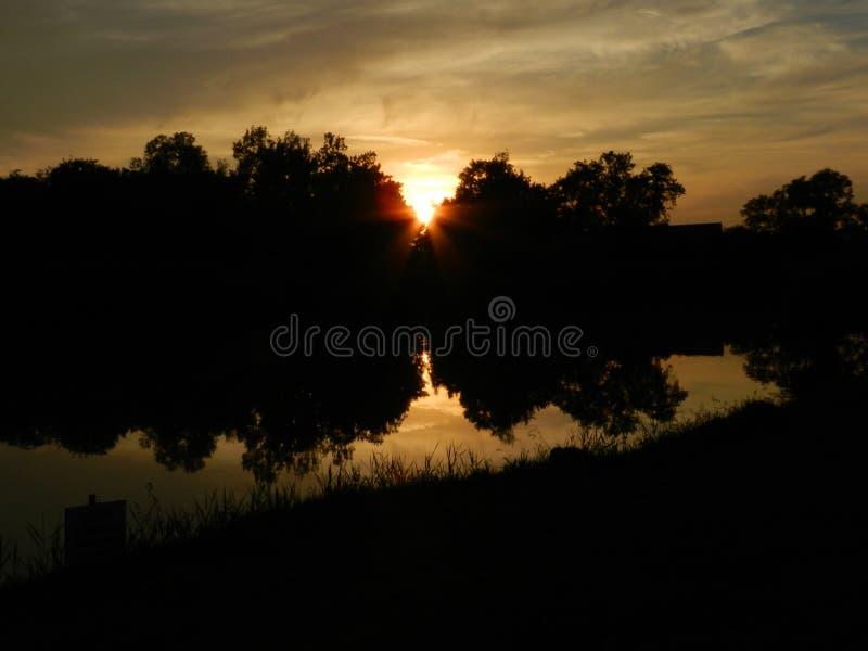 Lago Sunlighted immagini stock libere da diritti