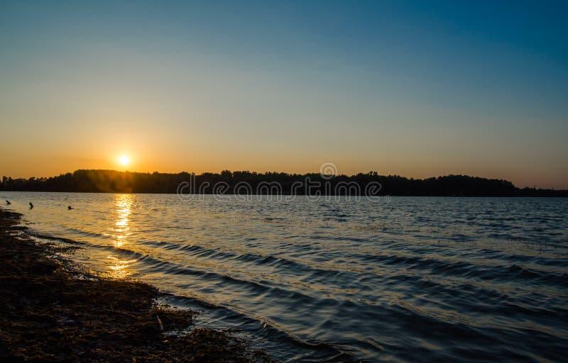 Lago sunset imágenes de archivo libres de regalías