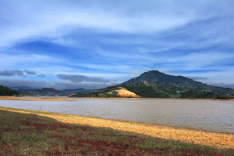 Lago Suoi Vang in una bella mattina soleggiata fotografia stock