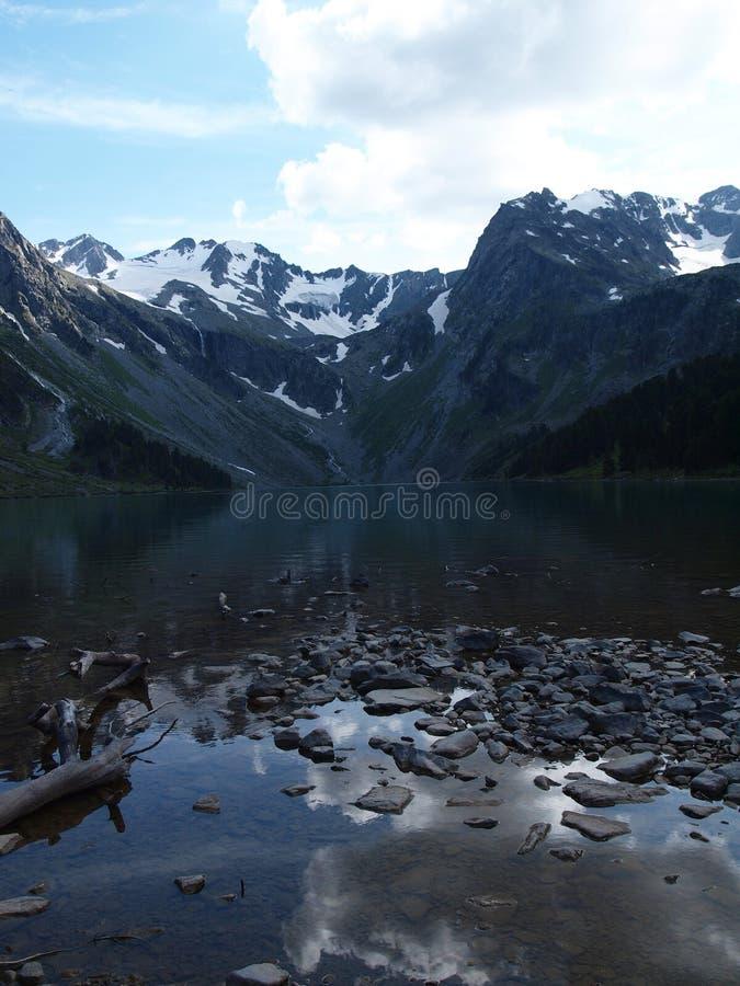 Download Lago superior Multa foto de stock. Imagem de lago, madeira - 16874674
